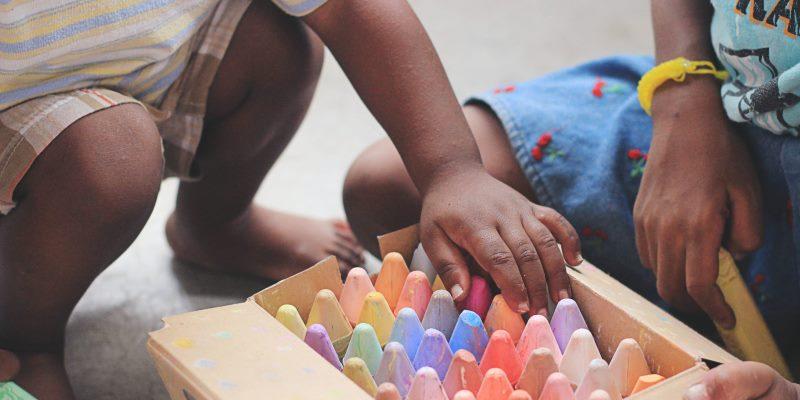 Coisas que você não deveria fazer na igreja - Não cuidar dos seus filhos