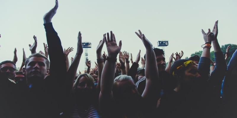 Versículos sobre multidão
